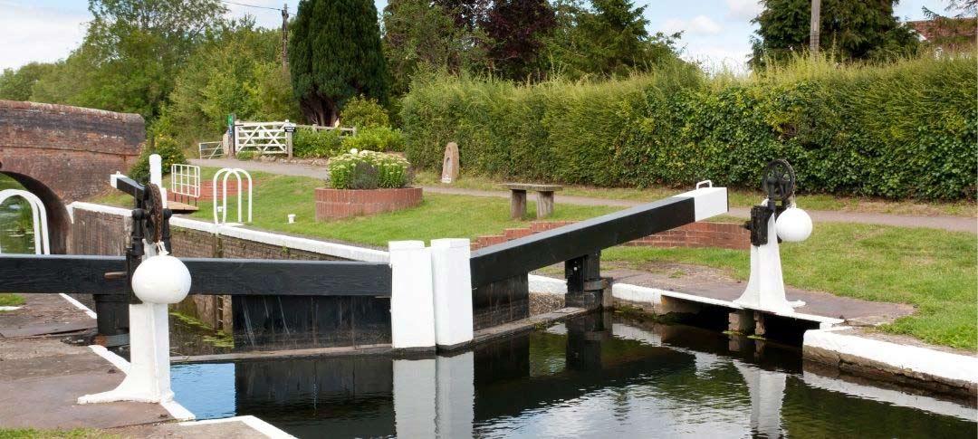 Bridgwater and Taunton Canal lock