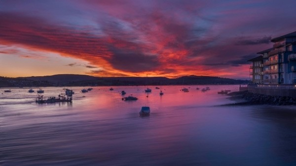 Exmouth sunrise over water