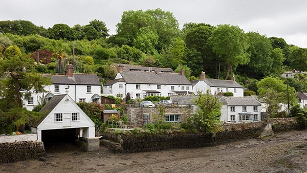 Helston Helford river and houses