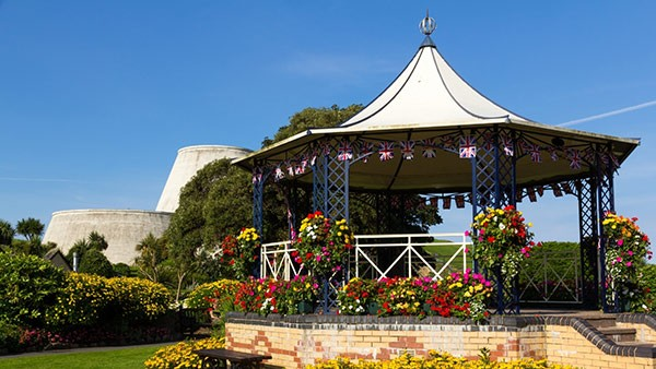 llfracombe bandstand in summer