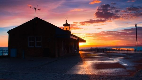 Morecambe sunset with lighthouse