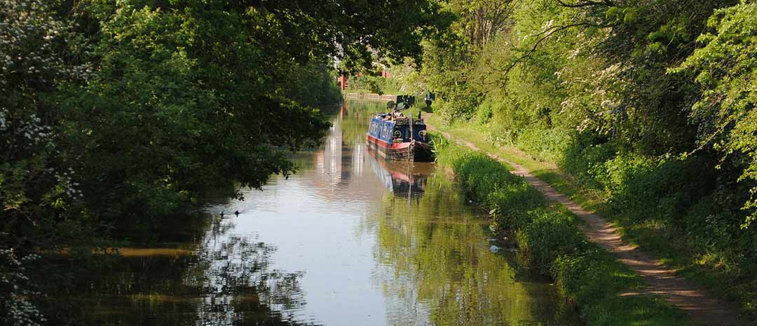 Grand Union Canal barge in Leicestershire