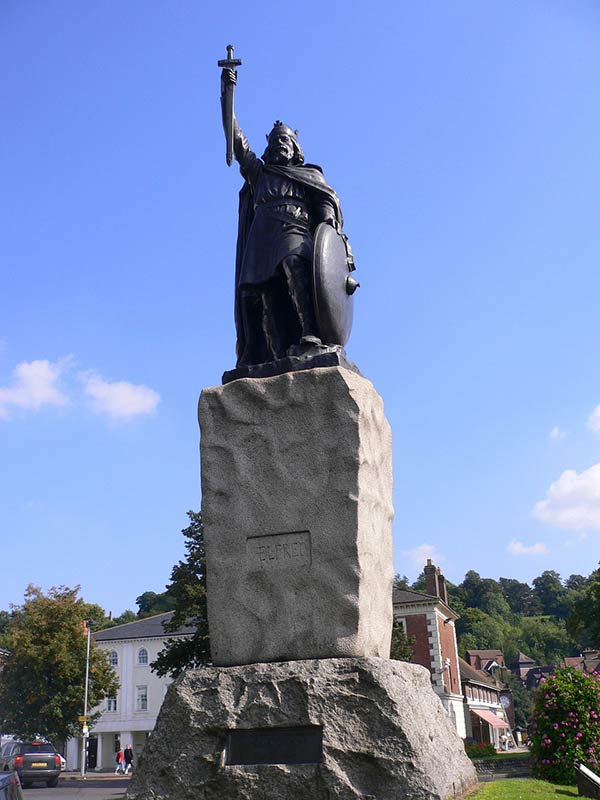 King Arthur Statue in Winchester